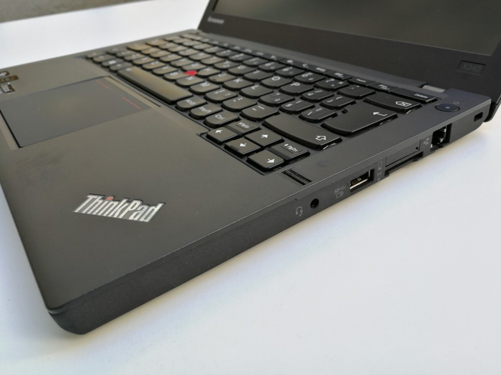 Ultrabook Lenovo ThinkPad X240 č.4