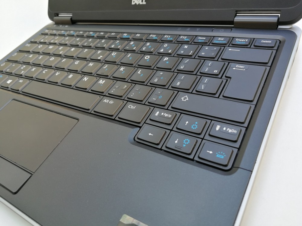 Ultrabook Dell Latitude E7240 č.5